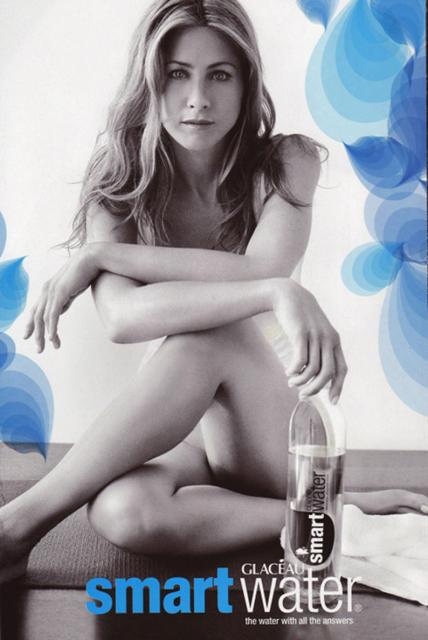 Jennifer-Aniston-smart-water4